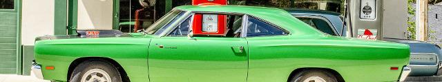 classic-car-1130645-2